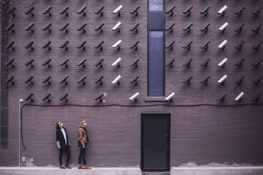 Ertappt beim Faulenzen im Home-Office: Wie Arbeitgeber Privatdetektive einsetzten